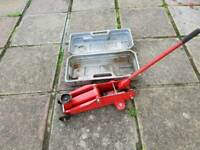Two tonne trolley jack with case