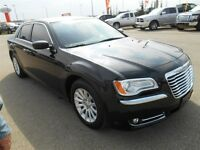 2013 CHRYSLER 300 TOURING 3.6 (LEATHER) $99 BI/ WEEKLY)