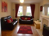 2 bed main door flat with private garden fully furnished in Stenhouse available 1st Aug 2017