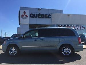 2010 Chrysler Town & Country Limited Cuir, Toit, GPS & 2 DVD