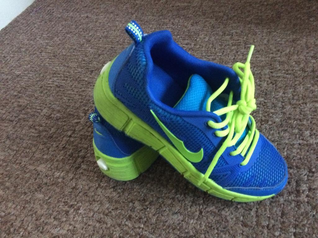 Roller shoes london - Heelys Roller Shoes Trainers Boys Kids