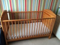 Baby cot bed in mint condition for sale for £30