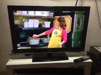 """LOVELY 32""""LG LCD HDTV READY +FREEVEIW TV"""