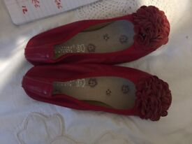 red flowery shoes size 6 1/2