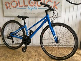 Raleigh Strada womens hybrid bike