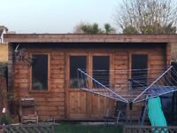 Solid wood Log cabin 15'x 10'