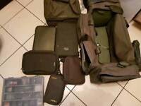 End tackle/ accessories pouches and bags