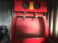 Sand blaster cabinet