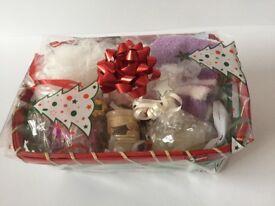 Luxury Ladies Xmas Pudding, Bath Bomb, Snowman Soap Pamper Hamper Gift Basket