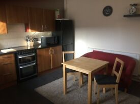 Spacious Double Room for couples, Good Location