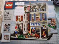Lego Creator Pet Store Modular (Lego Set 10218_ Now retired