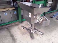 COMMERCIAL CATERING SIZE 32 NELLA STYLE MEAT MINCER CUISINE DINING RESTAURANTS BUTCHERS CAFES BARS