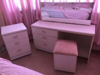 White dressing table & 2 chest of drawers & cushioned storage box seat