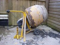 cement mixer 240volts, good working condition.