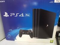 Playstation 4 PRO (Boxed) With Free Game