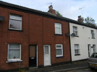 ONE BEDROOM HOUSE NEAR TOWN CENTRE TO LET