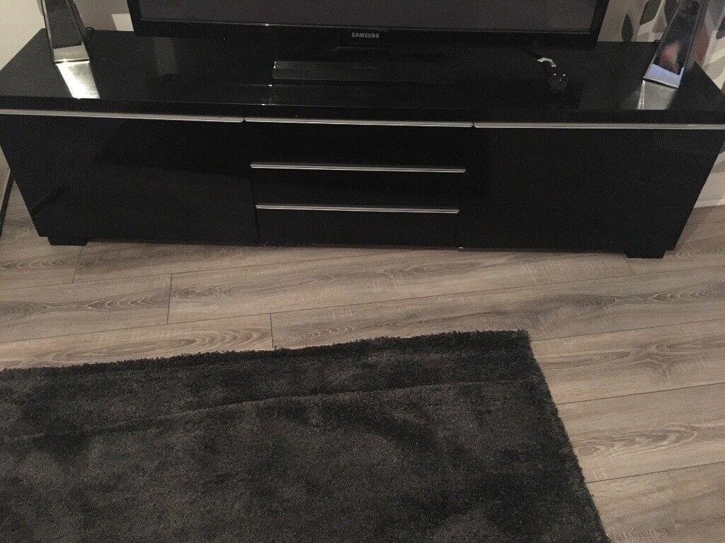 Besta burs tv unit