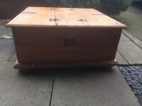 Storage box/chest/coffee table