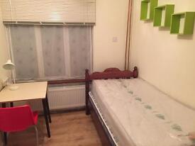 Double room Botley for single person £400 pm