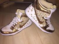 Nike high top butterfly women's trainers UK7