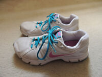 Womens White Nike Trainers Size 6