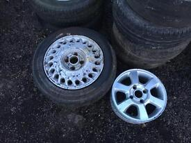 Various sets of alloy wheels