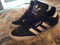 Black & white adidas samba size 7