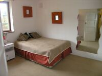 Great Spacious 2 Double Bedroom Flat in Kingston a 5 Minute Walk To The Station and Town Centre!!!!!
