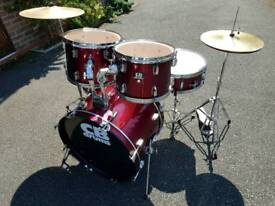 CB SP Series Drum Kit inc Hardware & cymbals