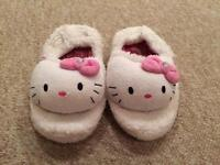 Hello kitty slippers size infant 10-11