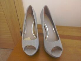 Next wide fit size 6 silver and gold sparkle