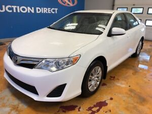 2014 Toyota Camry LE LOW KM'S!/ POWER GROUP/ REVERSE CAM