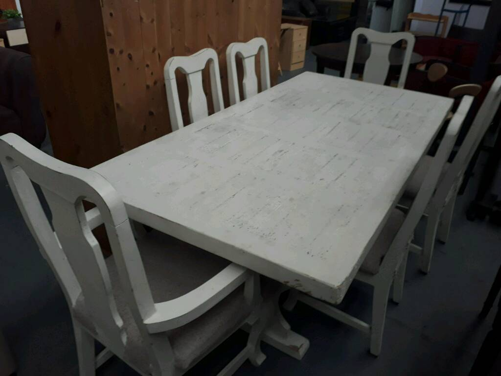 Large and solid 200cm x100cm table 4 chairs and 2 carvers