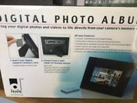 "8"" PHOTO DIGITAL FRAME WITH REMOTE"