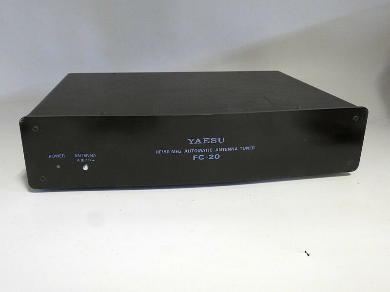 EXCELLENT CONDITION YAESU FC-20 AUTOMATIC ANTENNA TUNER WITH INTERCONNECT CABLE