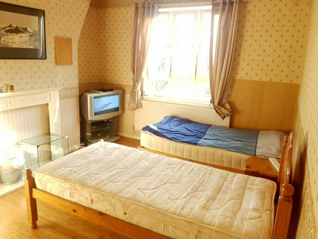 Share room is available now in clean flat, opposite to hammersmith Station