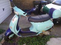 Vespa Piaggio 124cc scooter
