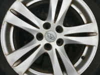 Hyundai Santa Fe alloy wheels with tyres, scruffy.