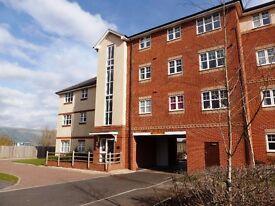Bright, modern, spacious 2 double bed with en-suite & bathroom & own parking-Littlehampton, near A27
