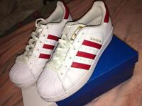 Adidas - superstar - size 5