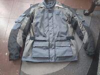 XL Weise maverick waterproof all season jacket thermal lining. Protectors back shoulders elbows