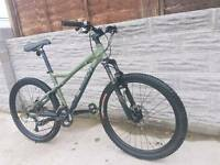 Down hill giant trail series bike in good condition