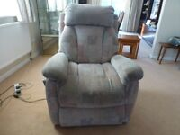 Lay-z-boy Carlton electric riser/recliner armchair