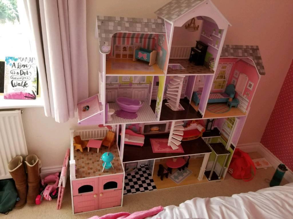 Large Dolls House From Costco In Winnersh Berkshire Gumtree