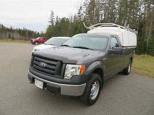 2011 Ford F-150 XL REG CAB 4X4 WITH CAP