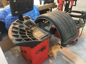 John Bean Tyre Changer & Wheel Balancer