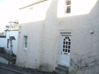 Newburgh Fife. Unfurnished 2 bed property to let. Shopping and public transport nearby.