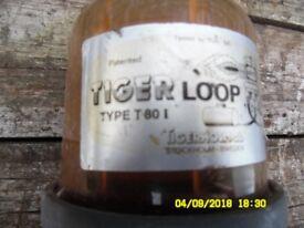 Tigerloop Tiger Loop. Used with 2 leads.