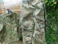 ARMY CAMOFLAGE SUIT BRAND NEW LIGHTWEIGHT AND WATERPROOF SIZE MEDIUM