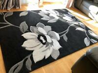 Black Bloomsbury Rug with Grey and White Flower Design